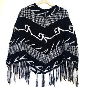 Ecote One Size Poncho Black White Chunky Knit